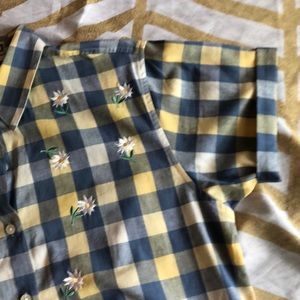 Daisy plaid button up top
